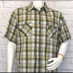 Columbia Men's shirt size XL short sleeve Plaid